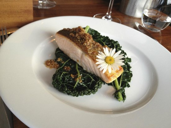 Inis Meain Restaurant & Suites: Salmon