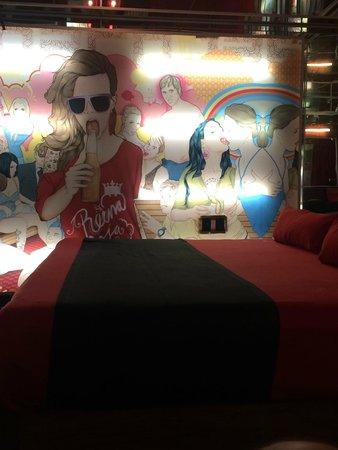 Hotel Reina Roja: Cuarto del centro