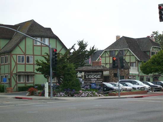 Svendsgaard's Lodge - Americas Best Value Inn: Front of hotel
