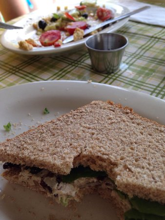 Uncanny Kitchen : Mock chicken salad