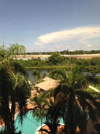 Hilton Palm Beach Airport: View from 5th floor room, overlooking pool, train in background