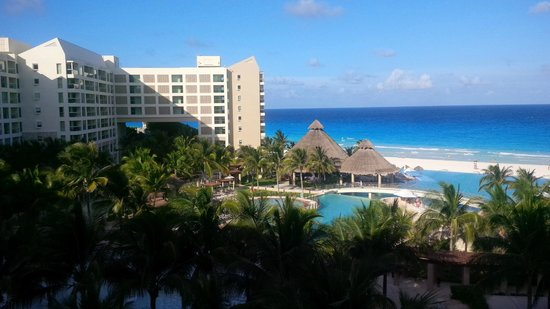 The Westin Lagunamar Ocean Resort: A small section of the Beach view from my room.