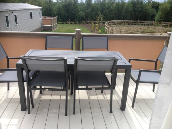 Piran Meadows Resort & Spa: Decking furniture