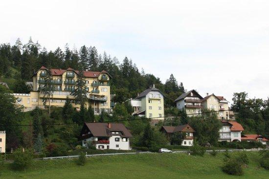 "Hotel Triglav Bled: Hotel Triglav and separate ""annexe"""