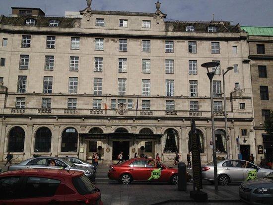 Riu Plaza The Gresham Dublin: Frontal view of the Gresham Hotel