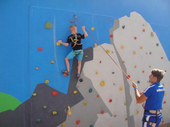 Spring Hotel Bitacora: Rock climbing