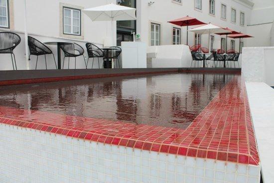Memmo Alfama Hotel: Pool