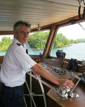 Thousand islands : Captain Tim Brooks, photo by Mike Keenan
