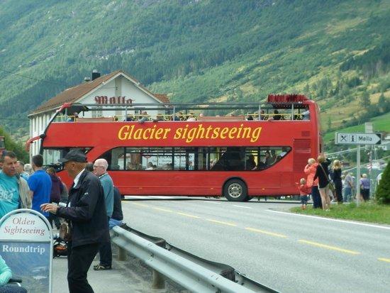 Olden: sliding roof tour bus