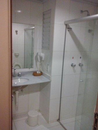Esplanada Brasilia Hotel: Banheiro