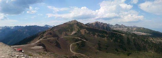 Kicking Horse Mountain Resort: Mountain View 1