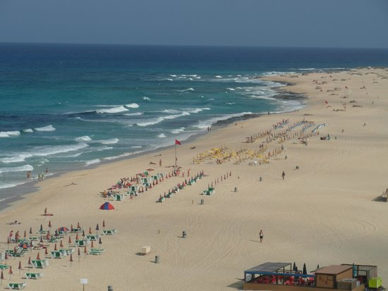 ClubHotel Riu Oliva Beach Resort : View of the beach from room on sixth floor