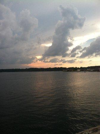 The Blue Heron Inn: Balcony view/sunset