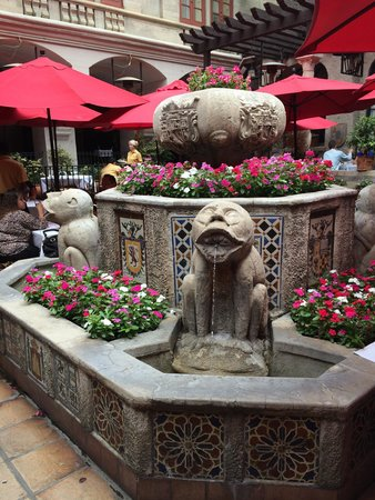 The Mission Inn Hotel and Spa : Spanish Courtyard