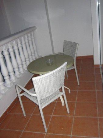 Luxury Bahia Principe Runaway Bay Don Pablo Collection : balcon