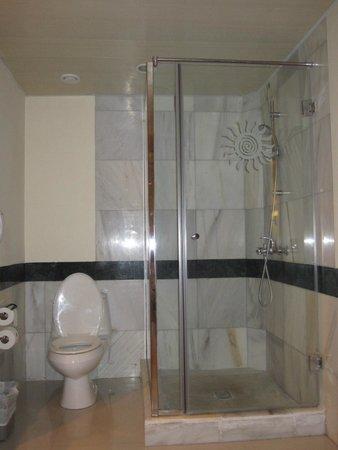 Luxury Bahia Principe Runaway Bay Don Pablo Collection : salle de bain