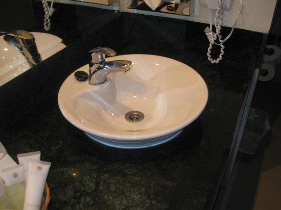 Luxury Bahia Principe Runaway Bay Don Pablo Collection: salle de bain