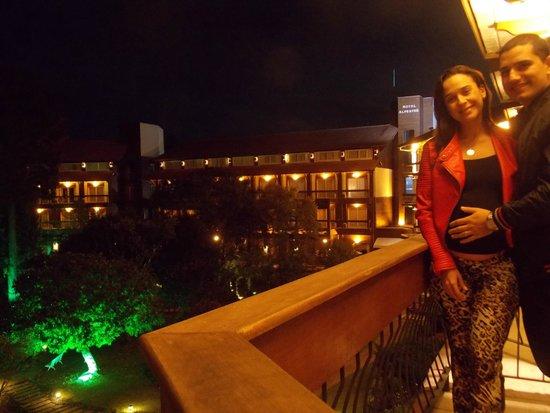 Hotel Alpestre: Sacada do quarto, frente ao jardim
