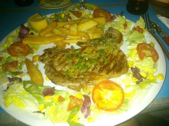 Café Sikelia: Beafy meat :)