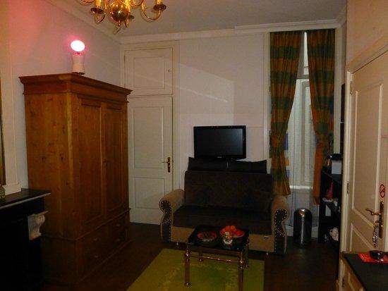 Amstel Canal Guest House: Habitación