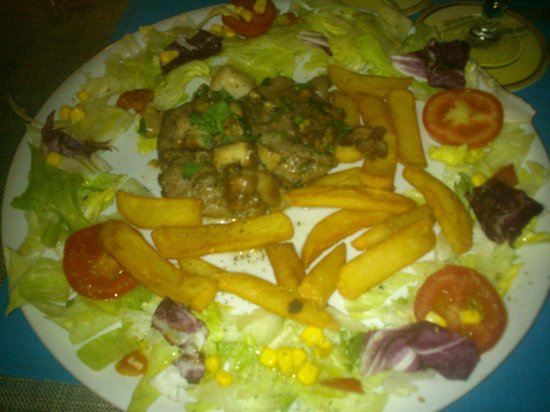 Cafe' Sikelia: Another beaf carne plate, yum!