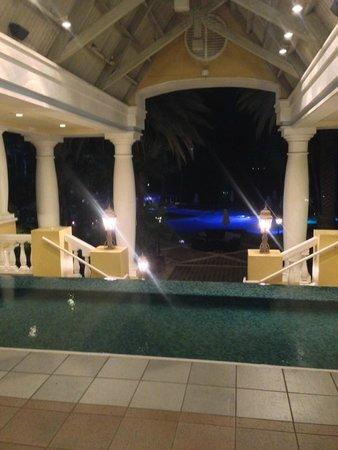 Curacao Marriott Beach Resort & Emerald Casino: Entrance