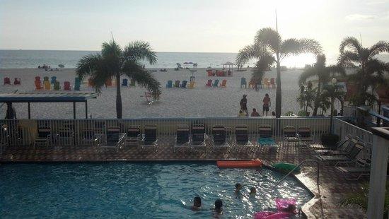 Plaza Beach Hotel - Beachfront Resort: Out to Gulf