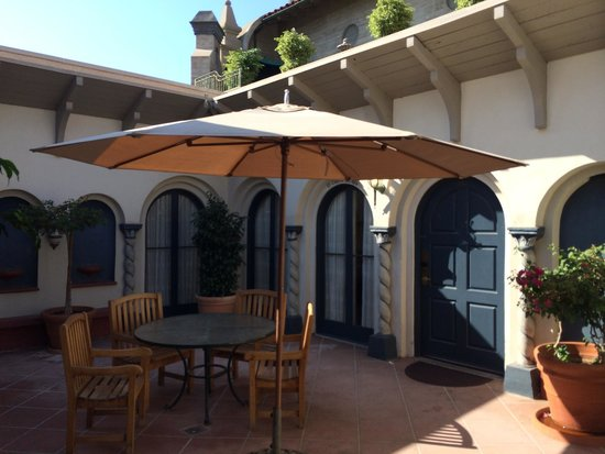 The Mission Inn Hotel and Spa: Patio outside of our room