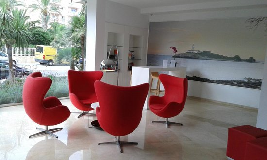 Sol de Alcudia Apartments lobby