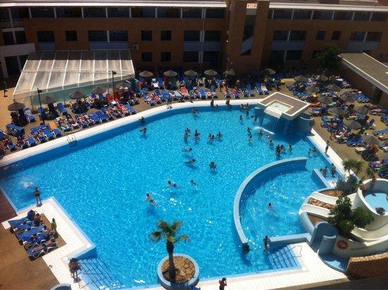 Hotel Neptuno: Vista de la piscina