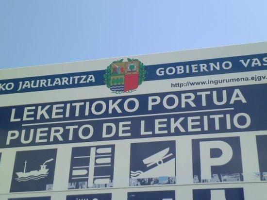 Basílica de Lekeitio: Next to Port