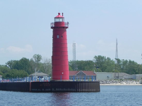 Steelhead Charters : On the way out of Muskegon Lake