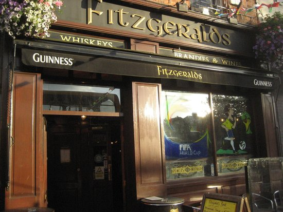 Fitzgerald's: Entrance