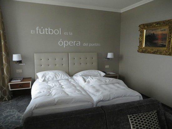 Hotel Schweizerhof Luzern: Schweizerhof Hotel sutie - sleeping area