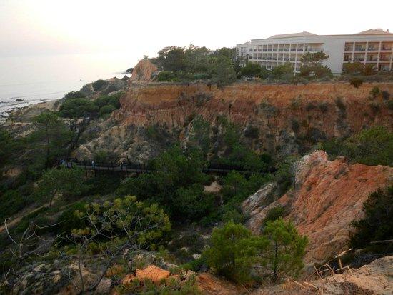 SENSIMAR Falesia Atlantic : Hotel mit Holzsteg