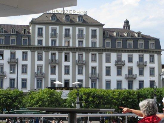 Hotel Schweizerhof Luzern: Schweizerhof Hotel - view from the lake