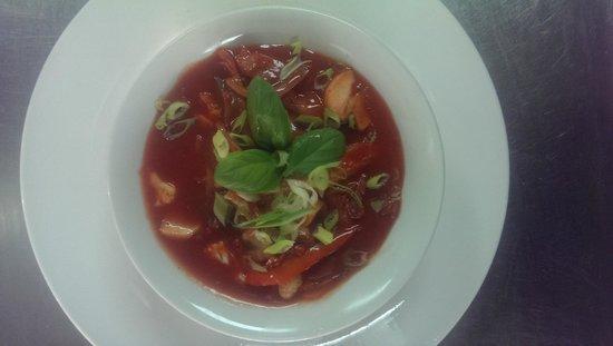 Wok a noodle: Tom khai soup