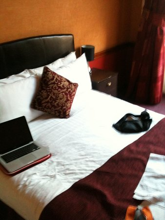 Russell Court Hotel: Double bed