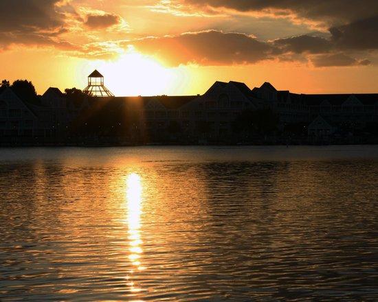 Blue Tree Resort at Lake Buena Vista : Florida sunsets
