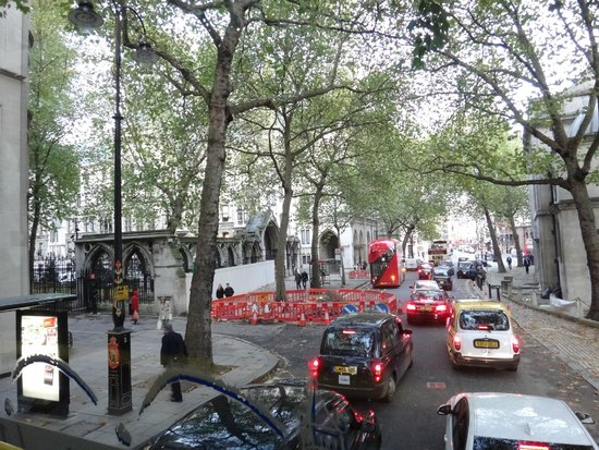 Golden Tours: streets of London