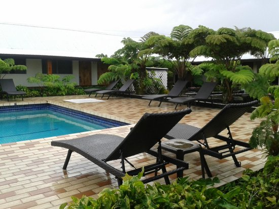 Hilo Seaside Hotel : área da piscina