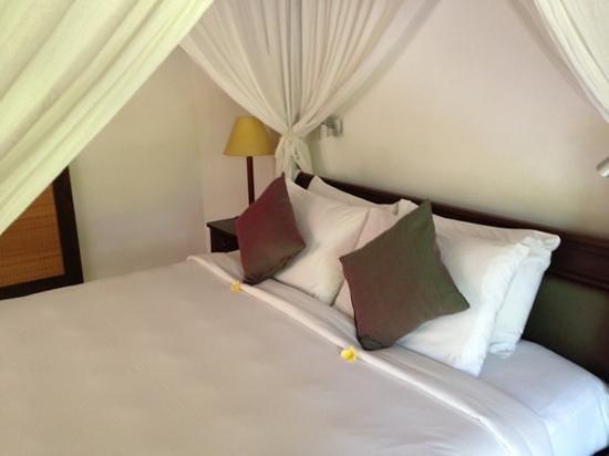 The Pavilions Bali : pool villa bedroom