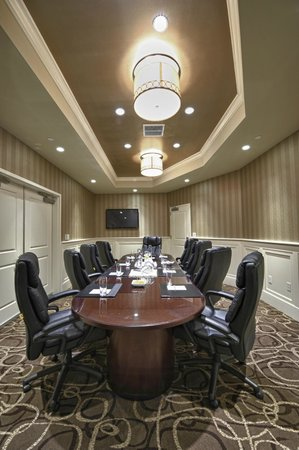 Renaissance Boston Hotel at Patriot Place: Conference Table