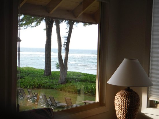 Hanalei Colony Resort: This was our ocean view room
