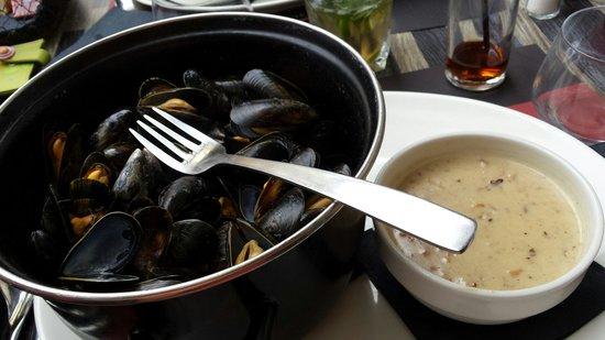 Le Vivier: Moules bretonnes (sauce à part)