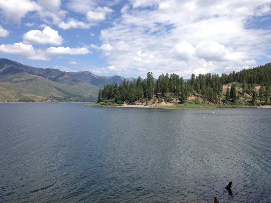 Elk Point Lodge & Cabins: Lake Vallecito