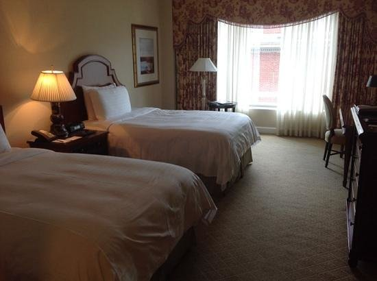 The Logan Philadelphia, Curio Collection by Hilton: Rooms very quiet