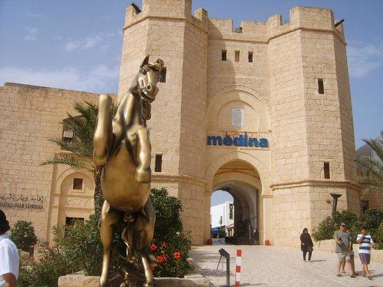 Vincci Marillia: Medina