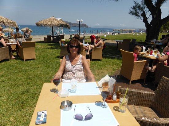 Kyano Beach Restaurant: Lunsj i Hagen