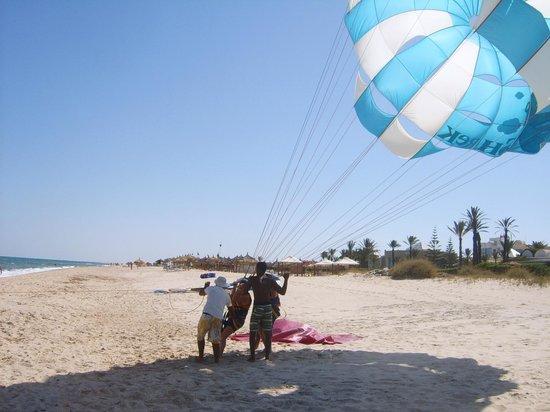 Vincci Marillia: parachute ascenttionnel sur la plage